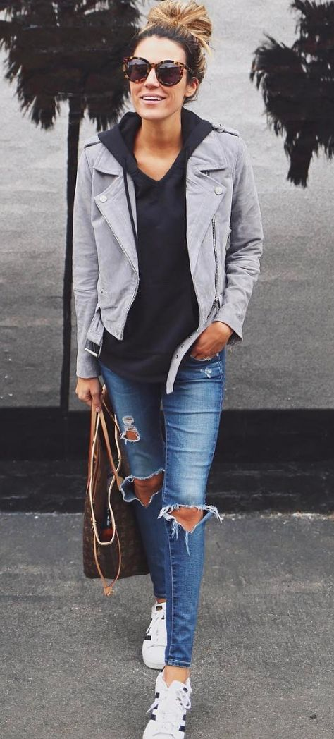 Love this look! I need casual sneakers to wear like this ... nothing too athletic but that would look good w my short legs