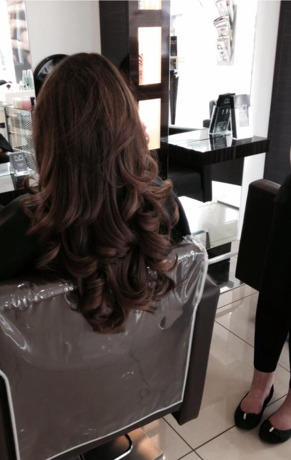 Curly blow dry. Glam hair
