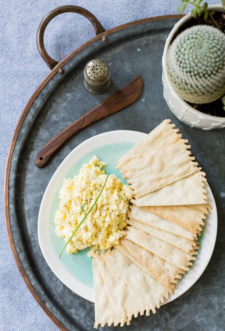 Pasta de huevo duro para canapés