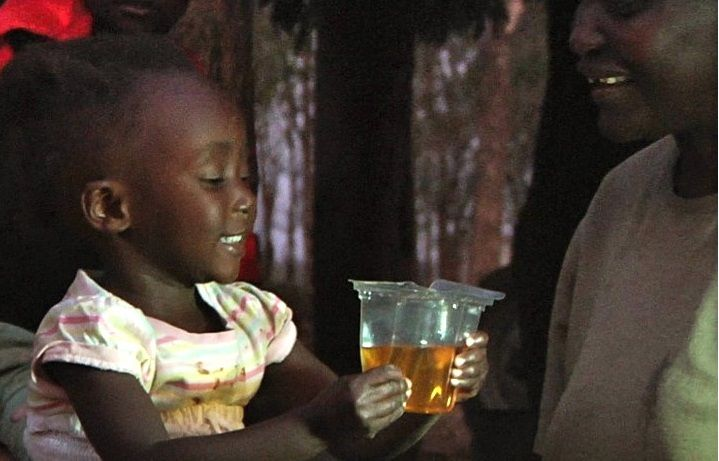 Why can you buy a bottle of Coca-Cola in almost any remote village in the developing world, but not a sachet of rehydration salts for a child with life-threatening diarrhoea? 20 years ago British social entrepreneur Simon Berry asked this question and came up with an 'aid pod' that could be slipped in between the rows of bottles in a crate of Coke and transported, anywhere, via Coke's regular distribution routes. A simple, incredibly clever idea that took over two decades to get noticed. But…
