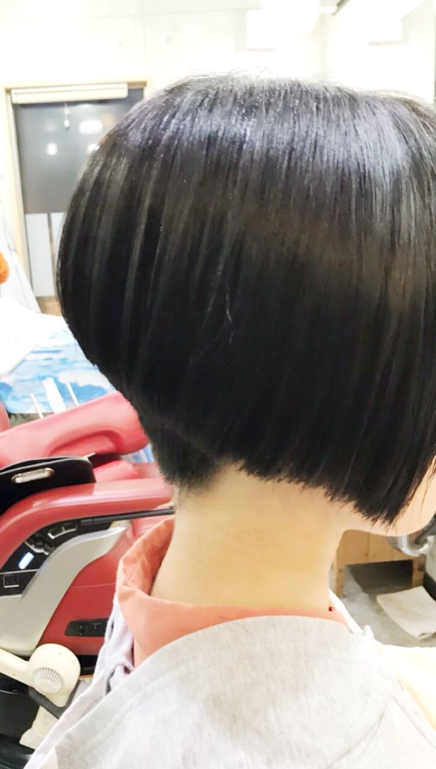 卒業前に60センチオーバー 短い髪のためのヘアスタイル ボブヘア
