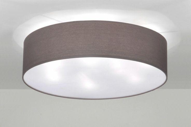 Plafondlamp grote stoffen kap! Licht voor in de slaapkamer keuken of tafel bij www.rietveldlicht.nl