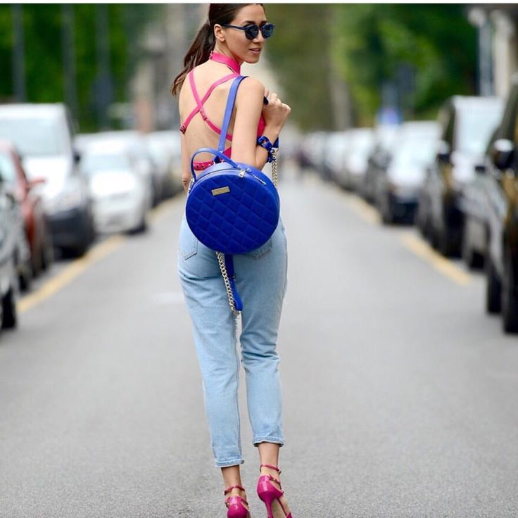 Beautiful blogger @fabmuse_diana wearing our pink cropped leather top in Milan #leather #leathertop #pinktop #sexyback #openback #blogger #milan #mfw #fashion #fashionweek #trends