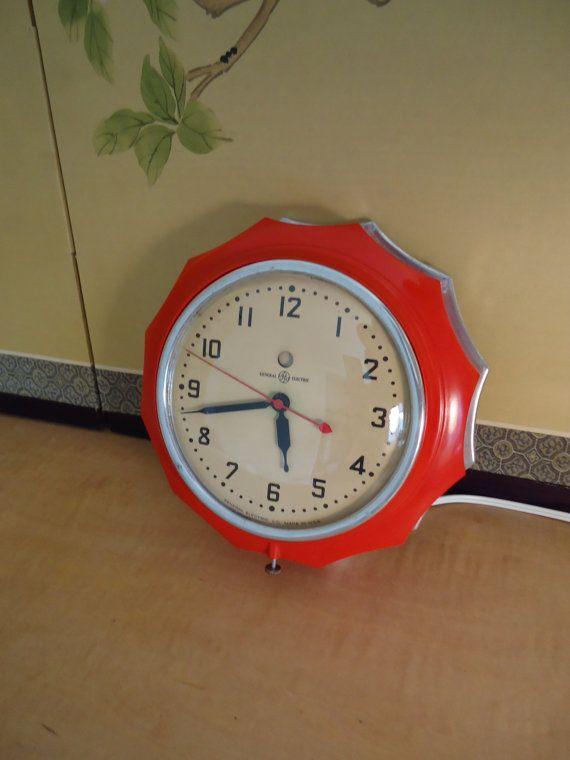"RESTORED1940s GE Wall Clock ""New Hostess"" - 1934-52"