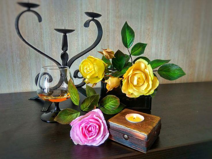 Интерьерные розы из зефирного фоамирана.