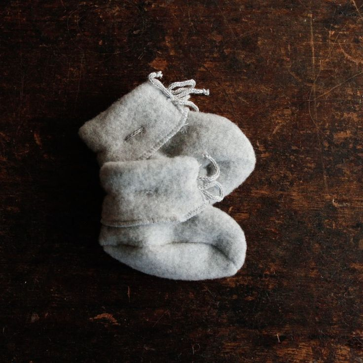 100% Organic Merino Wool Fleece Bootees - Light Grey – MamaOwl