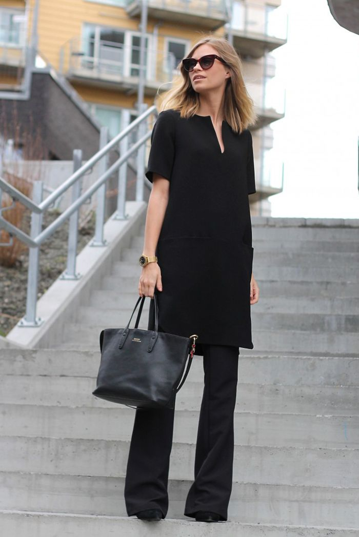Tunic with skinny slacks in all black | 30 Chic Work Outfits to Wear this Summer | Be Daze Live