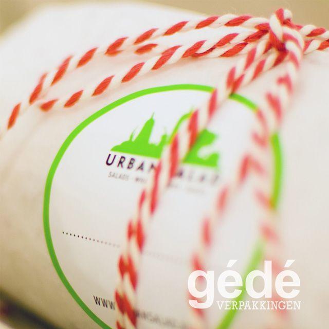 Ronde etiketten met logo en tekstvak voor klant Urban Salad
