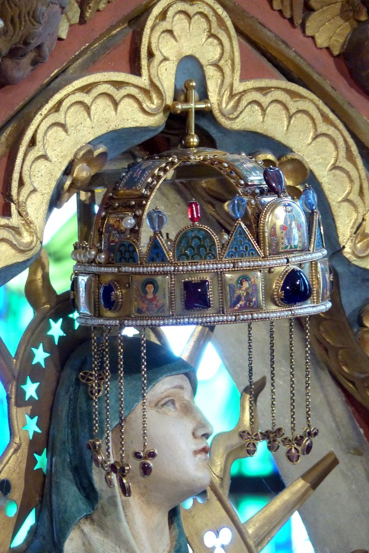 Shrine to the Madonna and replica of the Hungarian Royal Crown at St. Matthias Church in Budapest (March 2014) - Photo taken by BradJill