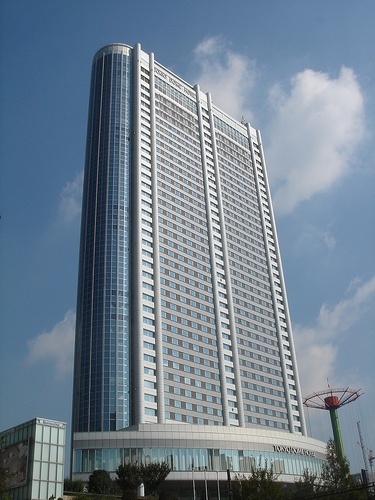 Tokyo Dome Hotel, by Kenzo Tange, 2000