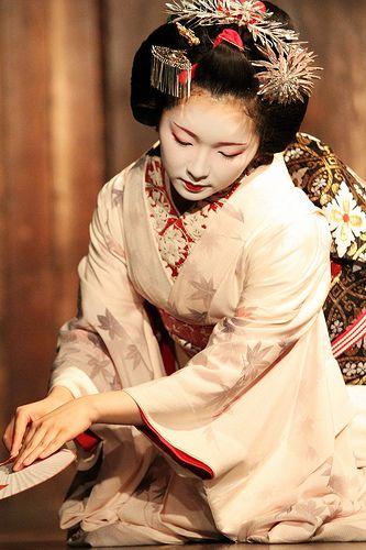 Maiko performance