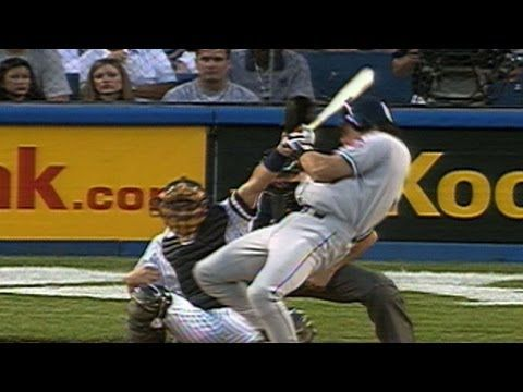 NYM@NYY: Roger Clemens beans Mike Piazza