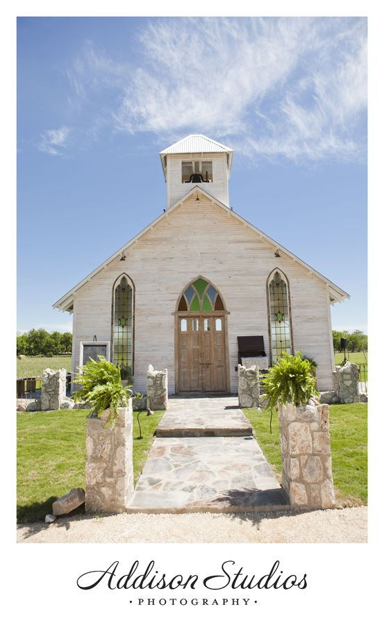 absolutely in love with this location incredible gruene estate wedding amanda wedding venues texashill country