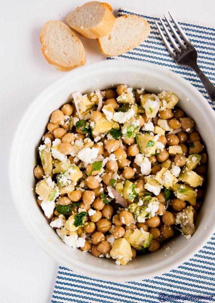 insalata di ceci feta e avocado - chichpeas, feta & avocado salad