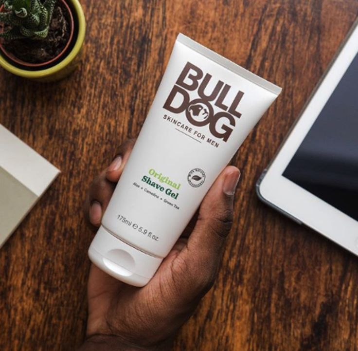 Bulldog Men's Shave Gel with aloe vera, camelina oil, and green tea for a hydrating and moisturizing shave each time.