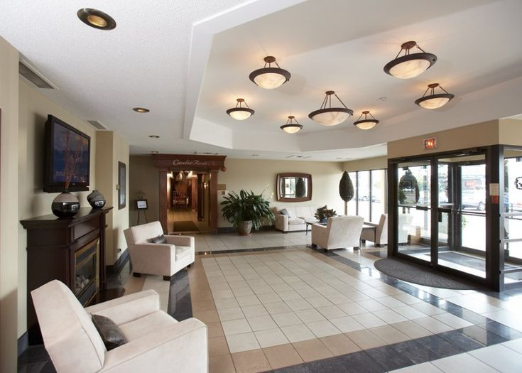 Interior Hotel Photography of Travelodge Canada Lobby [BP imaging - Bochsler Photo Imaging]
