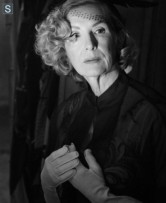 Frances Conroy as Gloria Mott, Freak Show