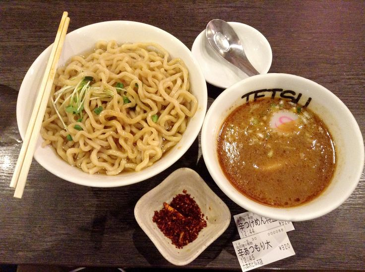 Tetsu ร้านราเมงที่ขายราเมงแยกเส้นแบบเผ็ดจัด เส้น Noodle 8 ซุป Soup 9 (ซุป) รสชาติ Taste 8 การบริการ Service 8 ความพึงพอใจ Satisfaction 8  ร้าน Tetsu ร้านนี้ตั้งอยู่ที่ รปปงงิฮิลล์ครับ ตึกแรกด...