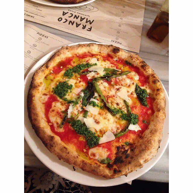Check out the Veg Special sourdough pizza from @francomancapizz at #BroadwayMarket bloody good stuff.  #pizza #vegetarian #food #foodies #London #Islington #streetfood #foodmarket