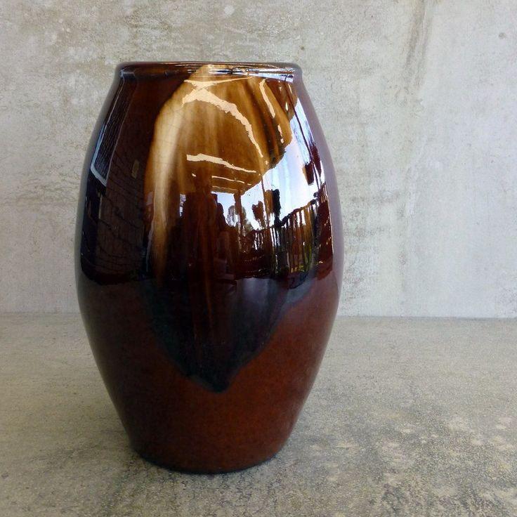 Antique Bendigo Pottery Vase Impressed mark on base. Made in Australia. Early 20th Century.
