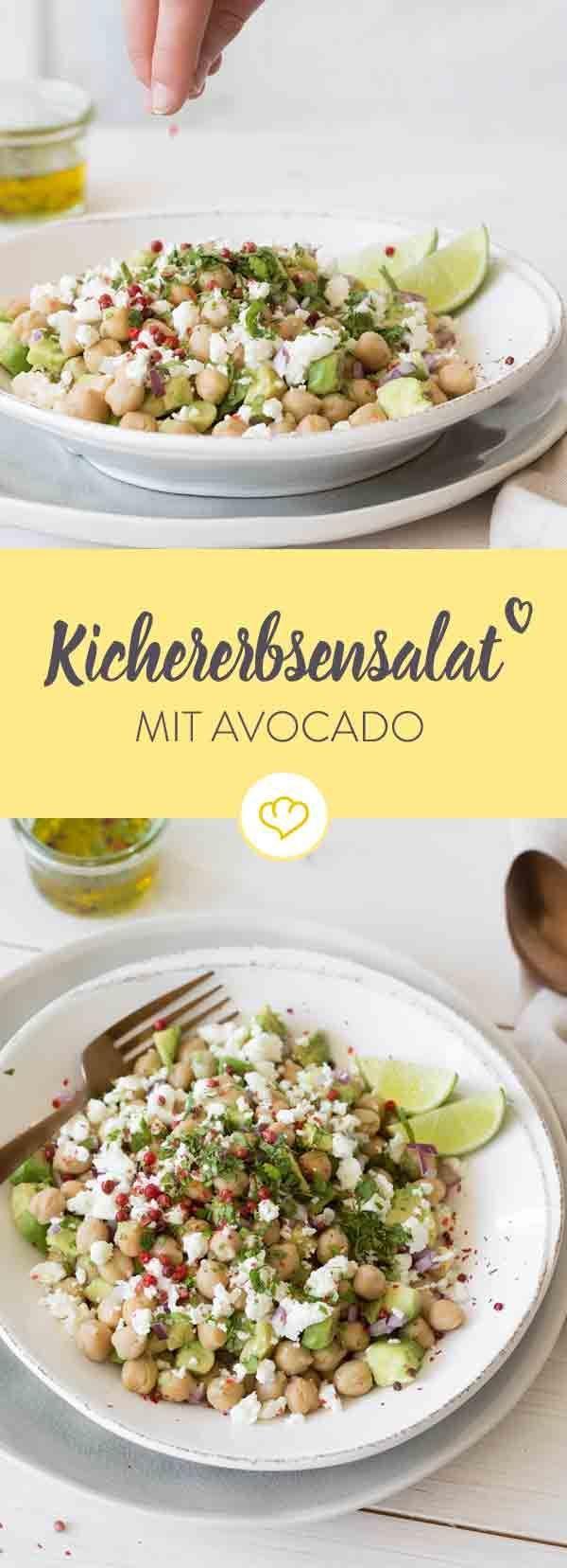 Kichererbsen peppen jedes Gericht auf! Kombiniert mit Avocado und Feta sind sie in diesem schnell gemachten Salat einfach unfassbar lecker.