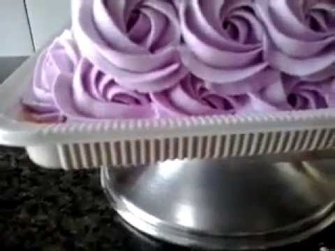 Colorindo Chantilly e Decorando Bolo de Rosas com Bico 1M