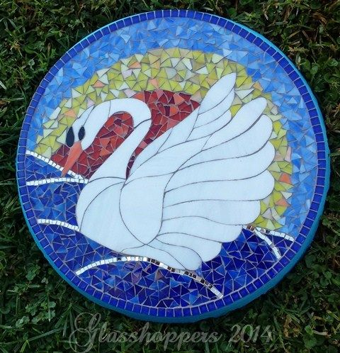Swan stepping stone by Glasshoppers