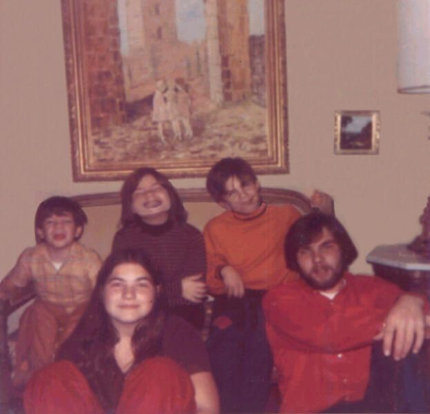 DeFeo family. Ronald DeFeo, Jr.and his 4/6 victims (2 brothers and 2 sisters)