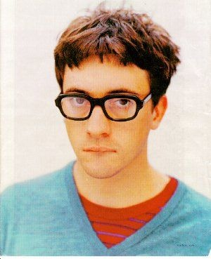 Graham Coxon with good short messy hair