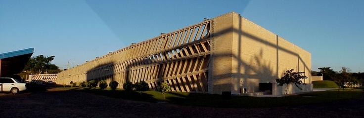 Clásicos de Arquitectura: Unilever Paraguay / Gabinete de Arquitectura (1)