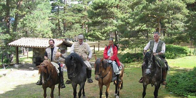 Montar a caballo al alcance de la mano! En la Sierra de Madrid!!! Entra en masbaratux.com para disfrutar del descuento!