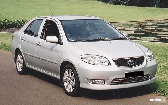 Pin Di Review Mobil