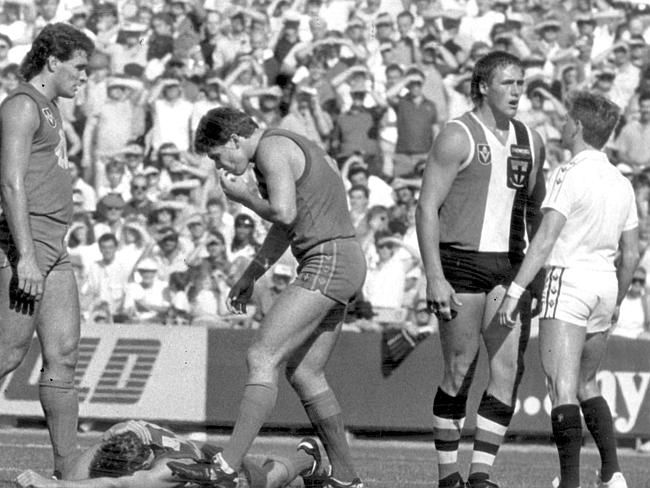 Lockett had a love-hate relationship with umpires. In 1988 Peter Carey wanted to know if Plugger had any idea why Grant Lawrie wasn't moving.