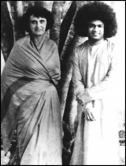Hilda Charlton with Satya Sai Baba - My first teacher, to whom I will always be grateful!
