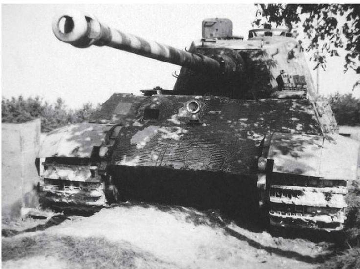 "Panzerkampfwagen VI, ausf B ""Tiger II"" (Sd.Kfz. 182)"