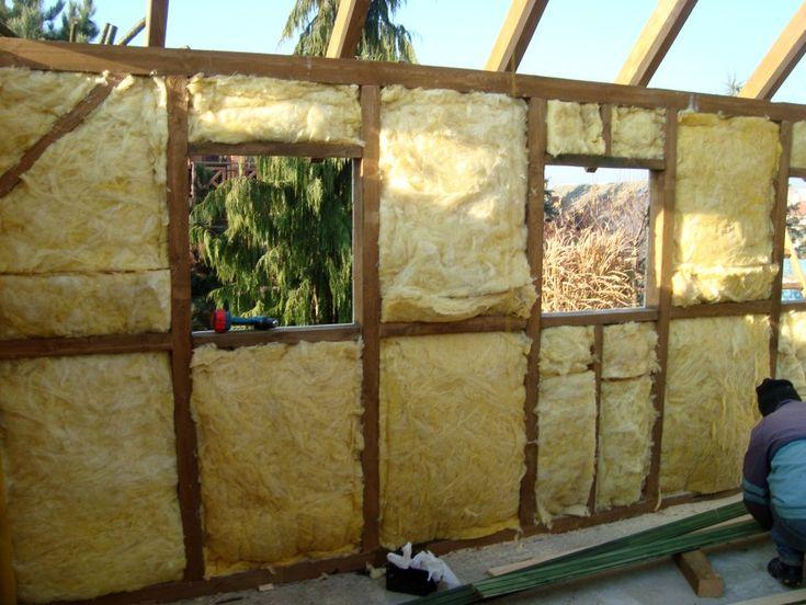 http://superstolarz.pl/blog/jak-zbudowac-drewniany-garaz-radzimy-krok-po-kroku   Budowa garażu drewnianego. Jak to zrobić ? Ocieplenie