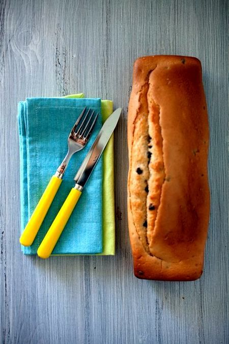 Plumcake con gocce di cioccolato (ricetta tradizionale e vegan)