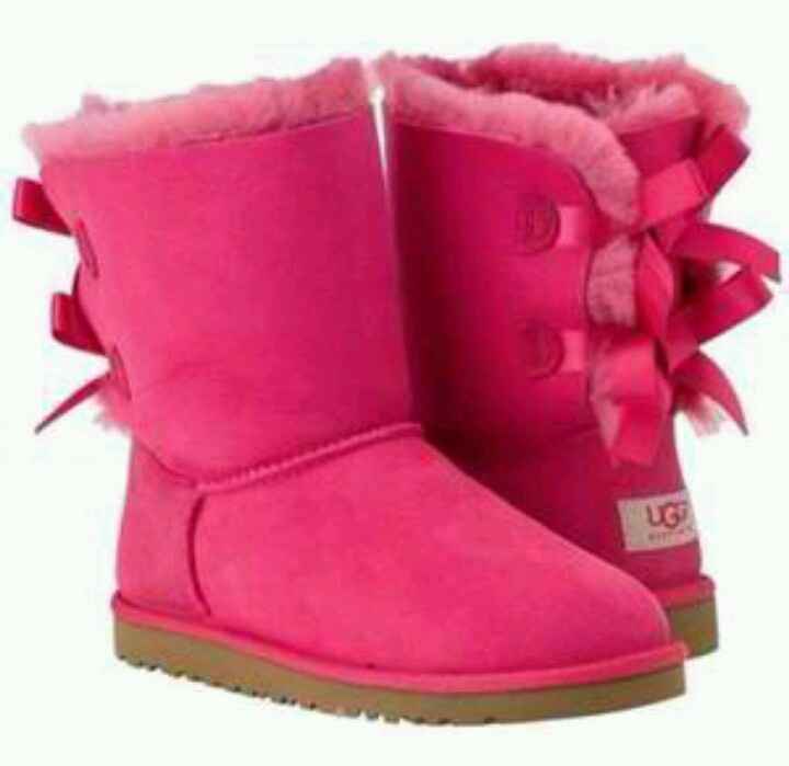 I'm not a fan of uggs, but these are just too perfect!  they are even the same ones that the girls wear on dance moms!