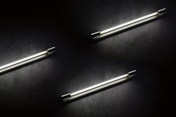 APEX | rendl light studio | Fixture for fluorescent tubes in chrome and clear glass. Suitable for bathrooms. #lighting #design #bathroom #wall
