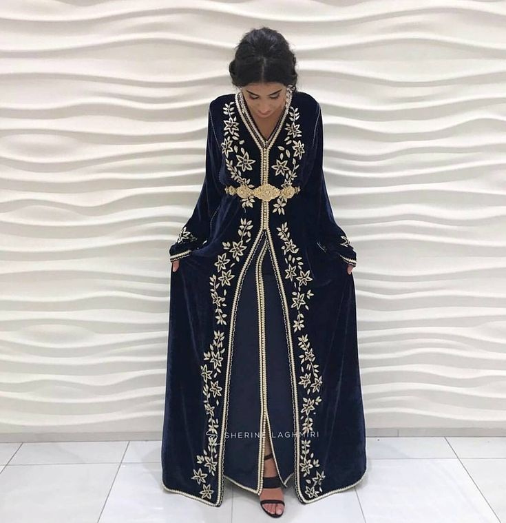 "421 mentions J'aime, 15 commentaires - MOROCCAN DRESSES!  (@moroccandress) sur Instagram : ""@handirighislaine always delivers! Such beautiful dresses at @loveandharmonydresses """