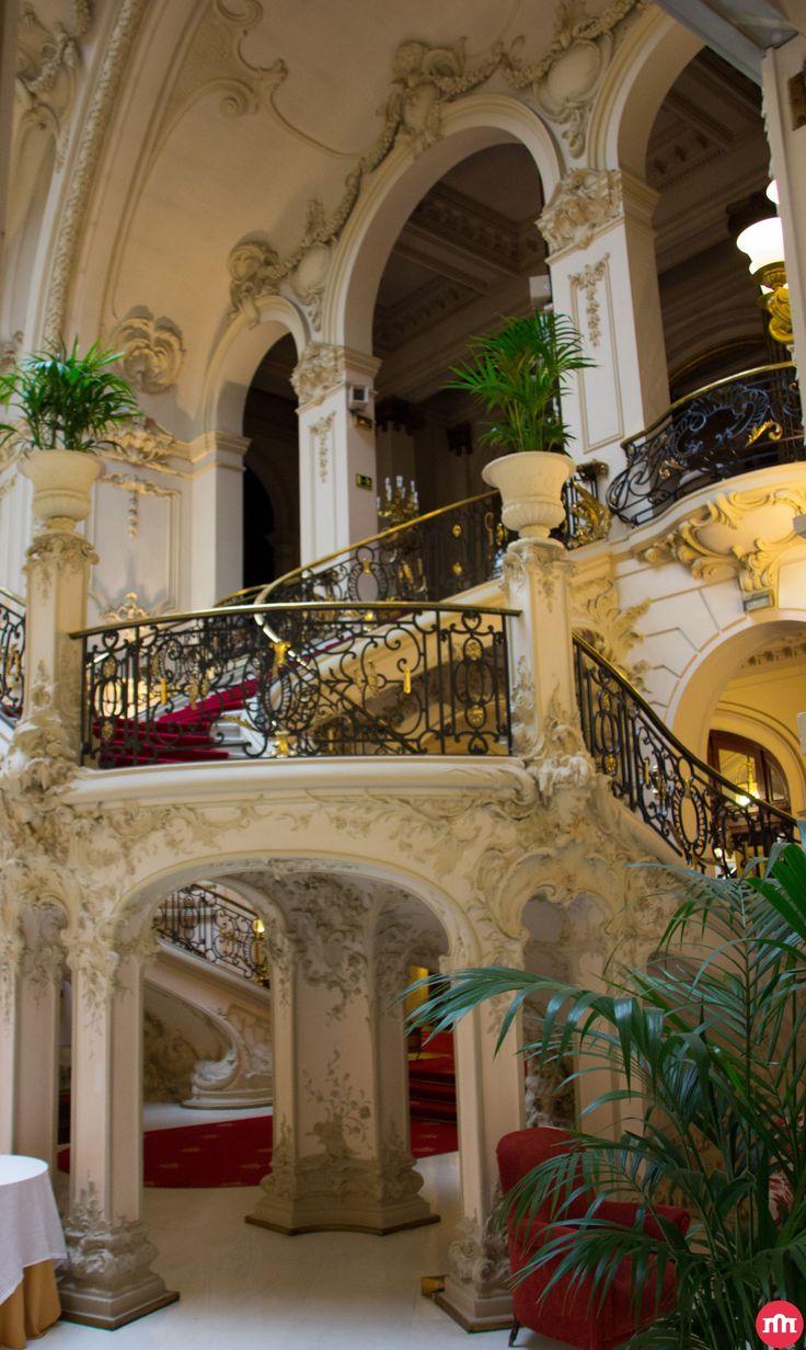 La escalera del Casino de Madrid es un auténtico capricho de la Belle Époque.