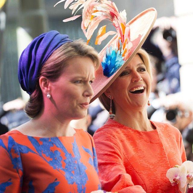 20-05-2015 Koningin Maxima en Koningin Mathilde openen op het Lange Voorhout in Den Haag de tentoonstelling 'Vormidable Hedendaagse Vlaamse Beeldhouwkunst'.