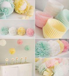    Forminhas de brigadeiro ou cupcake (depende do tamanho do seu arranjo), Alfinetes, Bola de isopor, Cola quente