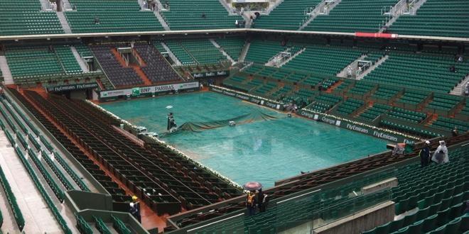 La pluie gagne à Roland-Garros