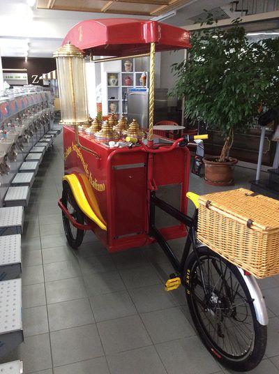 Prezzo speciale! Carretto per vendita gelati con spinta a bicicletta.