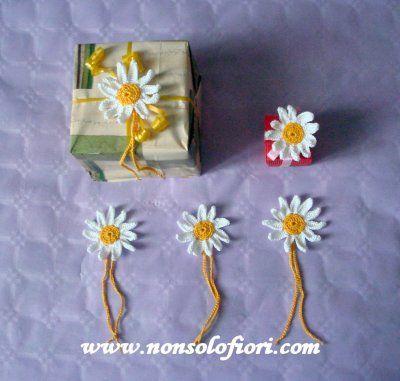 Margherite all'uncinetto chiudipacco  www.nonsolofiori.com