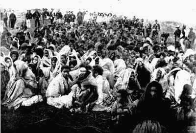 sobreviventes do massacre de Canudos (foto: Flávio de Barros, 06 de outubro de 1897)