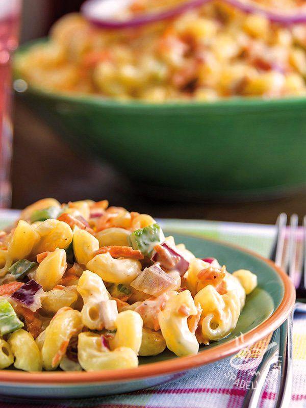 Pasta salad with vegetables and yogurt - Per un buffet, un apericena o una pausa pranzo all'insegna di un piatto fresco e leggero. L'Insalata di pasta con verdure e yogurt è un piatto infallibile! #insalatadipasta #insalatadipastaalloyogurt