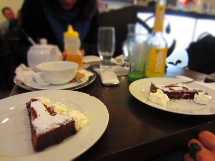 ...torta con marmellata http://www.podnebi.cz/home/