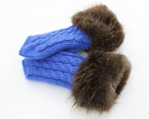 Handmade. Blue gloves with beaver cuff. Blue by DreimanFurdesign